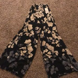 Gorgeous, flowing Bohemian pants. Never worn.